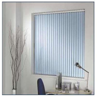 Màu xanh của rèm lá dọc với màu xám
